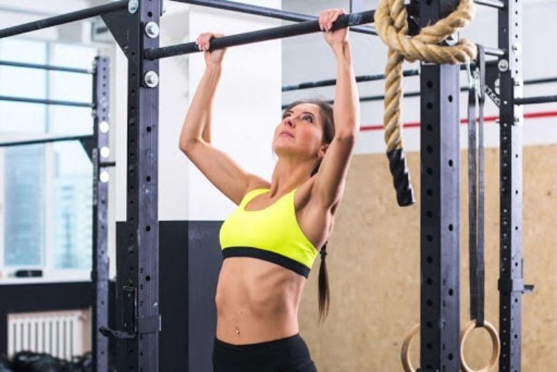 Xà ngang - Một trong các bài tập tăng chiều cao cho nam và nữ hiệu quả
