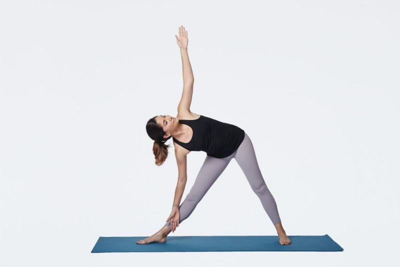Không chỉ thúc đẩy sự lưu thông máu, tư thế tam giác còn có công dụng rất lớn trong việc cải thiện chiều cao
