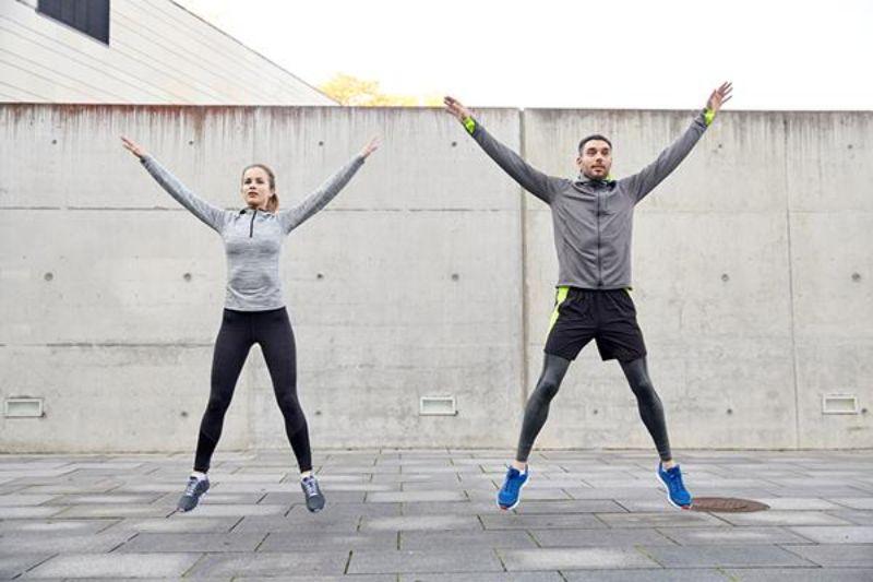 Muốn loại bỏ những mỡ thừa ở bụng, vai, đùi thì nên tập giật bụng bật nhảy
