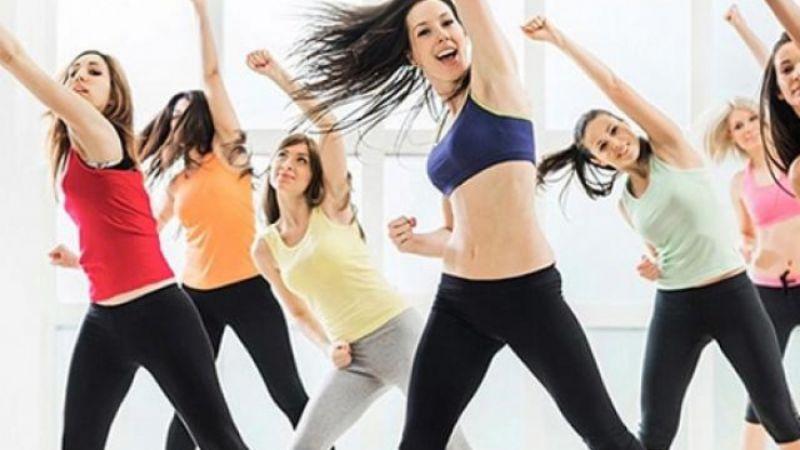 Bài tập aerobic giật bụng - Nhảy sang hai bên