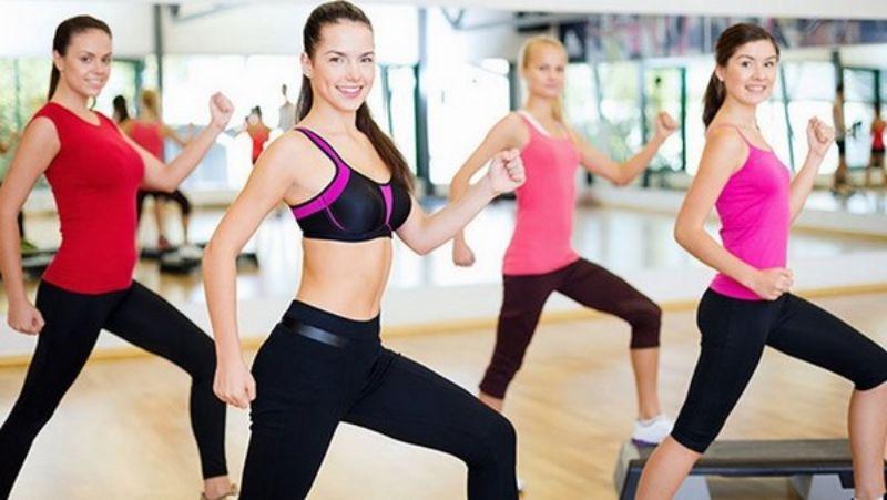 Chạy bộ tại chỗ – Bài tập aerobic giật bụng