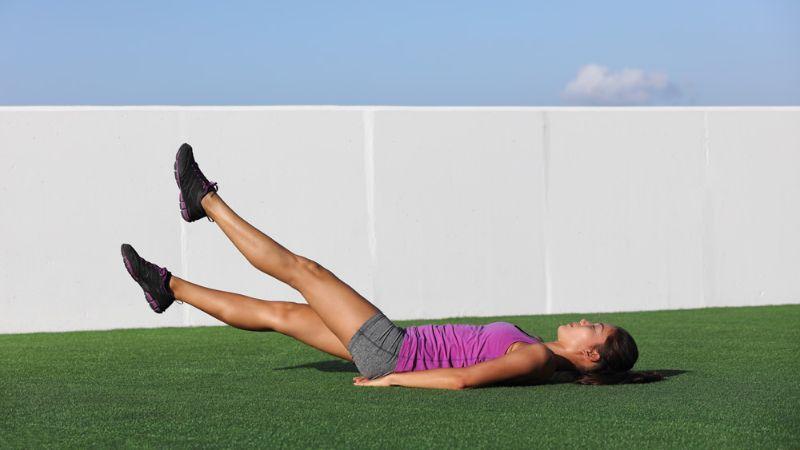 Flutter Kicks - Bài tập aerobic giảm mỡ bụng hiệu quả
