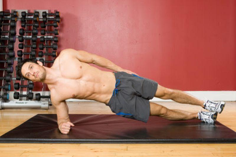 Bài tập Plank là lựa chọn hoàn hảo để cải thiện vóc dáng của nam giới