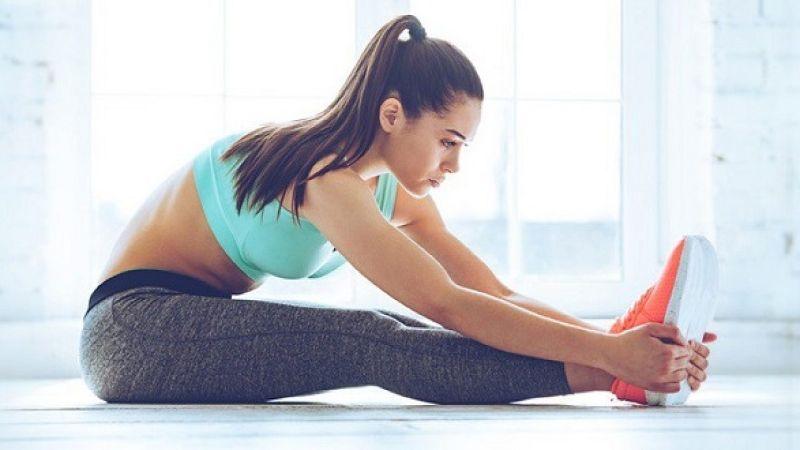 Bài tập cho nhóm cơ gân kheo giúp làm giãn cơ vùng thắt lưng dưới
