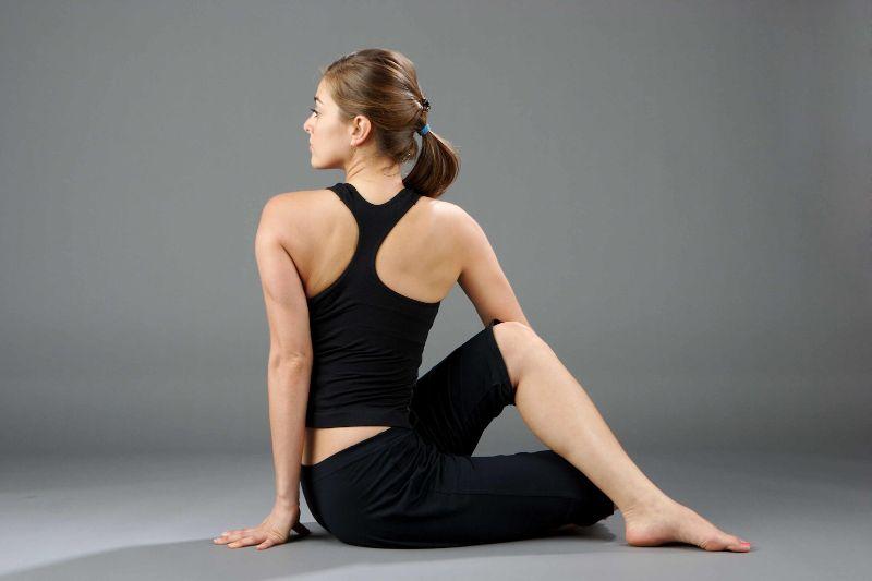Bài tập yoga tư thế xoắn vỏ đỗ
