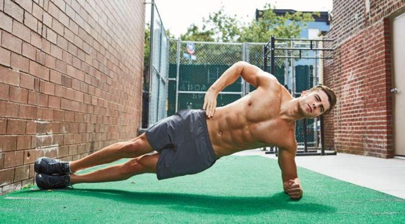 Plank 1 bên – Bài thể dục giảm mỡ bụng nam hiệu quả