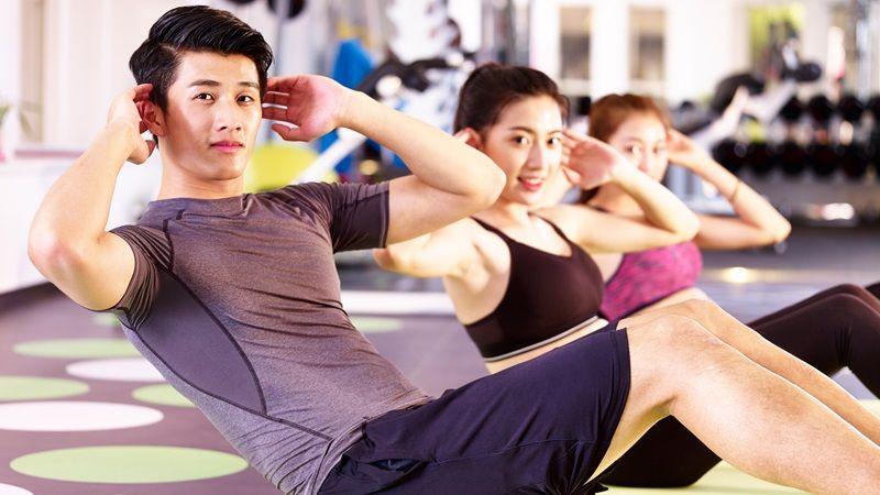 Bài tập giảm mỡ bụng cho nam bằng gập bụng ngang thân
