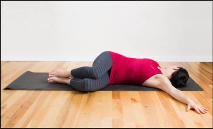 Bài tập 1: Nằm vặn mình tập giảm mỡ bụng dướ