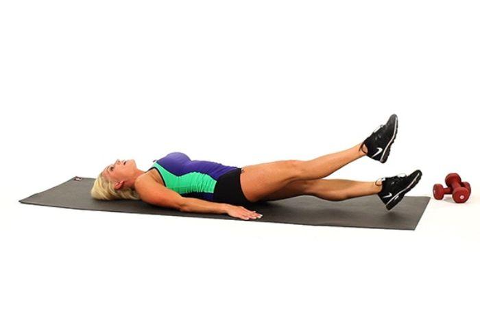 Bài tập 3: Cắt chéo chân tập bụng dưới