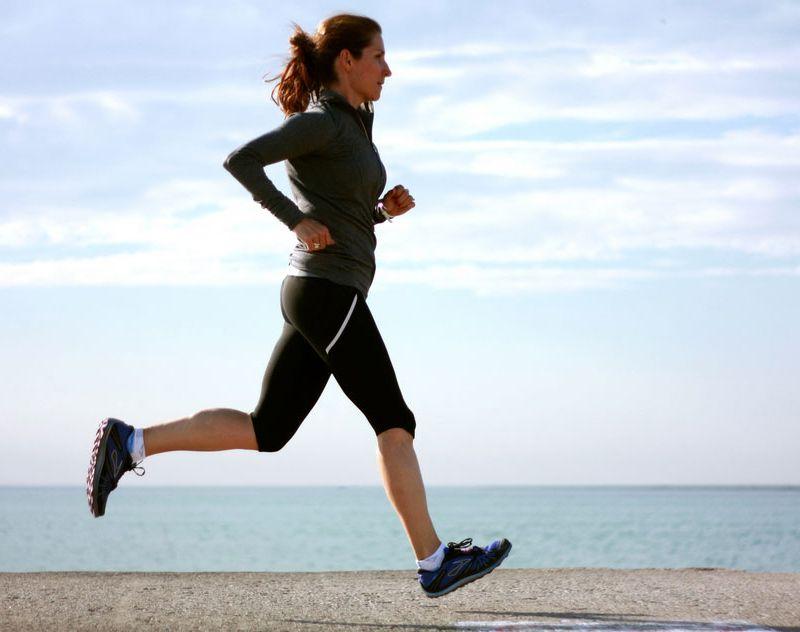 Chạy bộ là môn thể thao mang đến công dụng tuyệt vời cho việc giảm cân