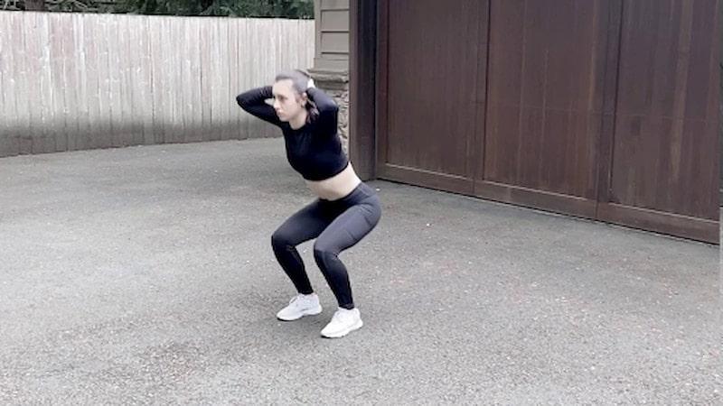 Nếu thường xuyên tiến hành bài tập này bạn sẽ kích thích cơ ngực, chân, mông một cách tối ưu