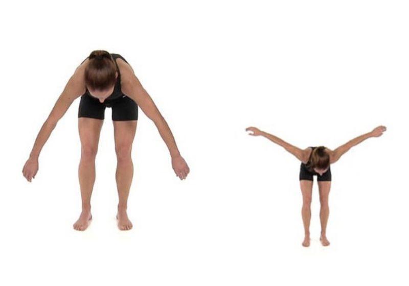 Vung tay kết hợp đứng cúi người là bài tập giúp cơ tay, cơ vai, cơ lưng được kéo giãn tối đa