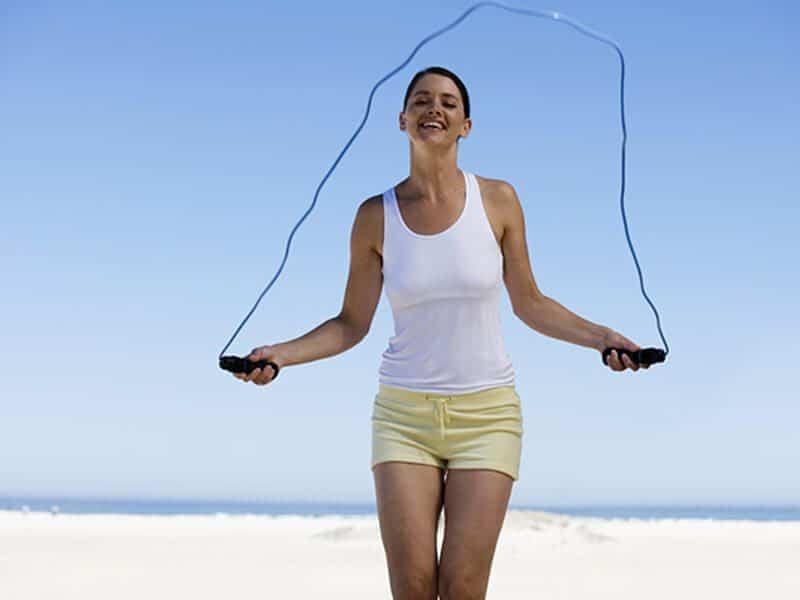 Nhảy dây là bài tập giảm cân mang lại hiệu quả cao