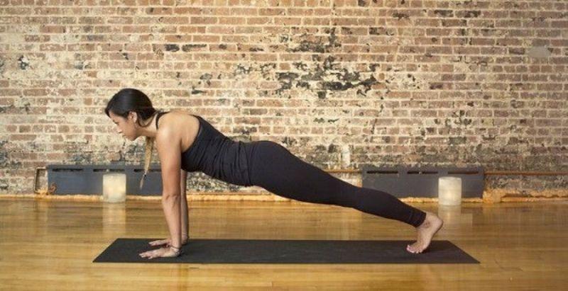 Plank cao là động tác cơ bản của plank mà ai cũng phải trải qua khi bắt đầu tập