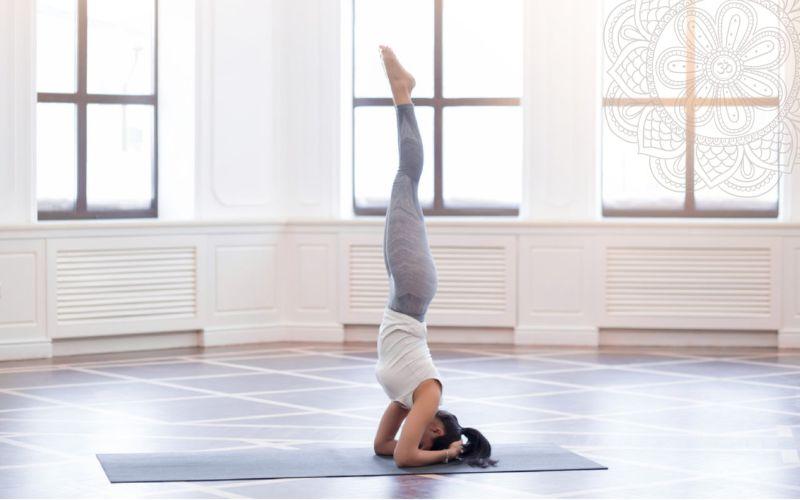 Trồng chuối – Bài tập thể dục buổi sáng hiệu quả cao