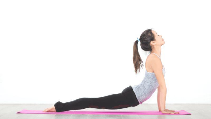 Nằm sấp - Bài tập thể dục buổi sáng cơ bản nhất