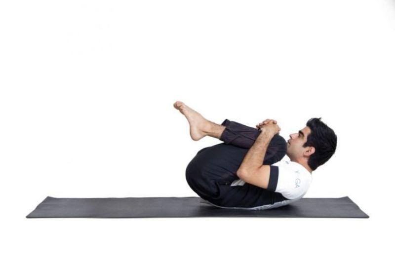 Cuộn tròn - Bài tập thể dục giảm căng thẳng hiệu quả