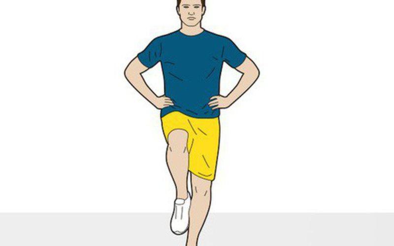Giữ thăng bằng - Bài tập giúp cải thiện lưu thông máu ở chân