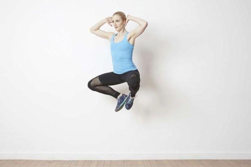 Bài tập thể dục giảm cân toàn thân Froggy Jumps