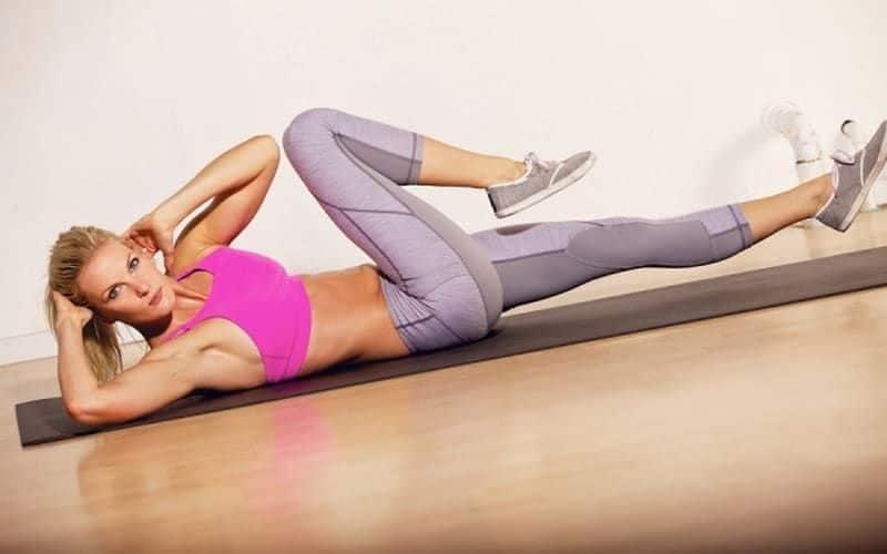 Gập bụng vặn người – Bài tập giảm mỡ bụng hiệu quả