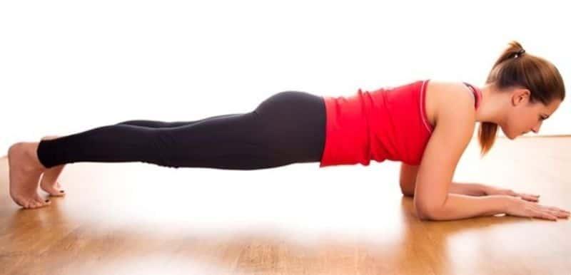 Plank cẳng tay - Bài tập giảm mỡ bụng sau sinh