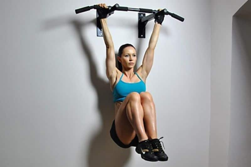 Đu xà - bài tập thể dục giảm mỡ dùng dụng cụ
