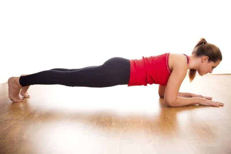 Bài tập 7 - Plank thấp (Chaturanga Dandasana)