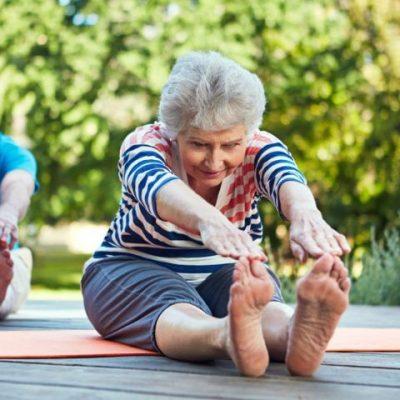 Bài tập Yoga cho người cao tuổi cải thiện sức khỏe