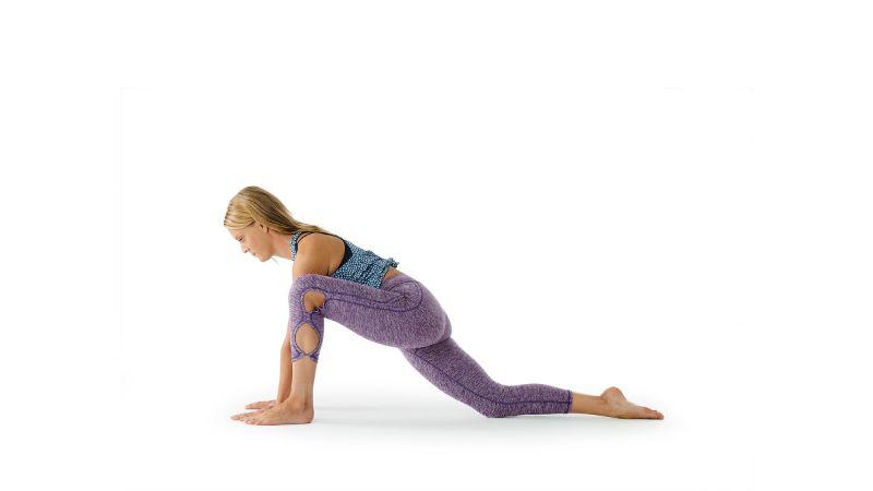 Tư thế phục kích thấp giúp tăng cường sức mạnh và khả chống đỡ cho đôi chân