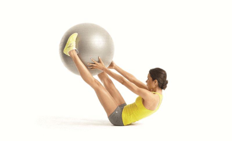 Bài tập V-Pass giúp cơ bụng, cơ bắp tay và đùi trở nên săn chắc