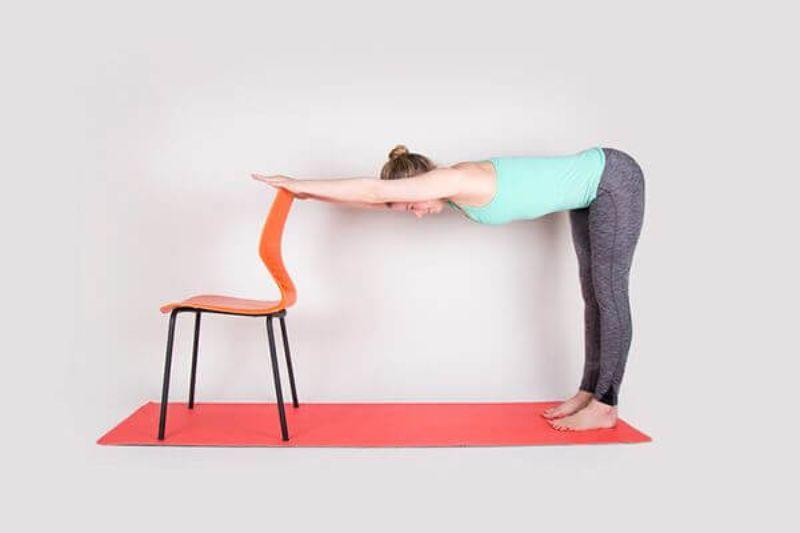 Với những người tập yoga đã lâu thì bài tập chó con tựa ghế rất đơn giản