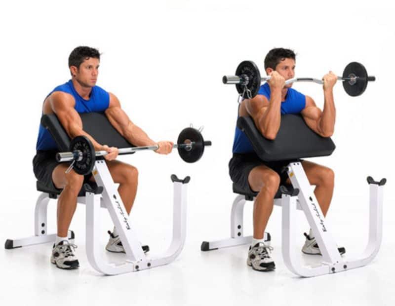 Với bài tập này, bạn cần phải có sự hỗ trợ của ghế tập nghiêng hoặc bóng Swiss