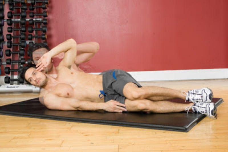 Gập cơ liên sườn là động tác có tác động mạnh mẽ nhất tới cơ liên sườn và cơ bụng