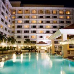 Bể bơi Equatorial tại Sài Gòn