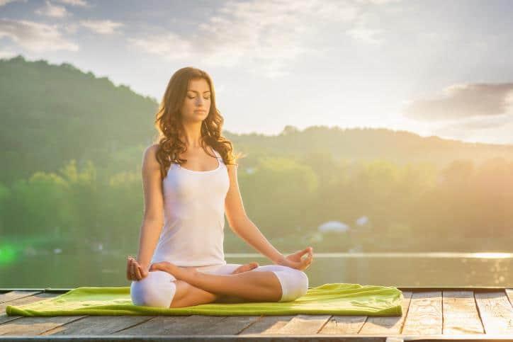 Thiền Yoga sẽ giúp bạn sống lạc quan