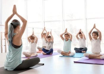Trẻ em nên tập Yoga không?